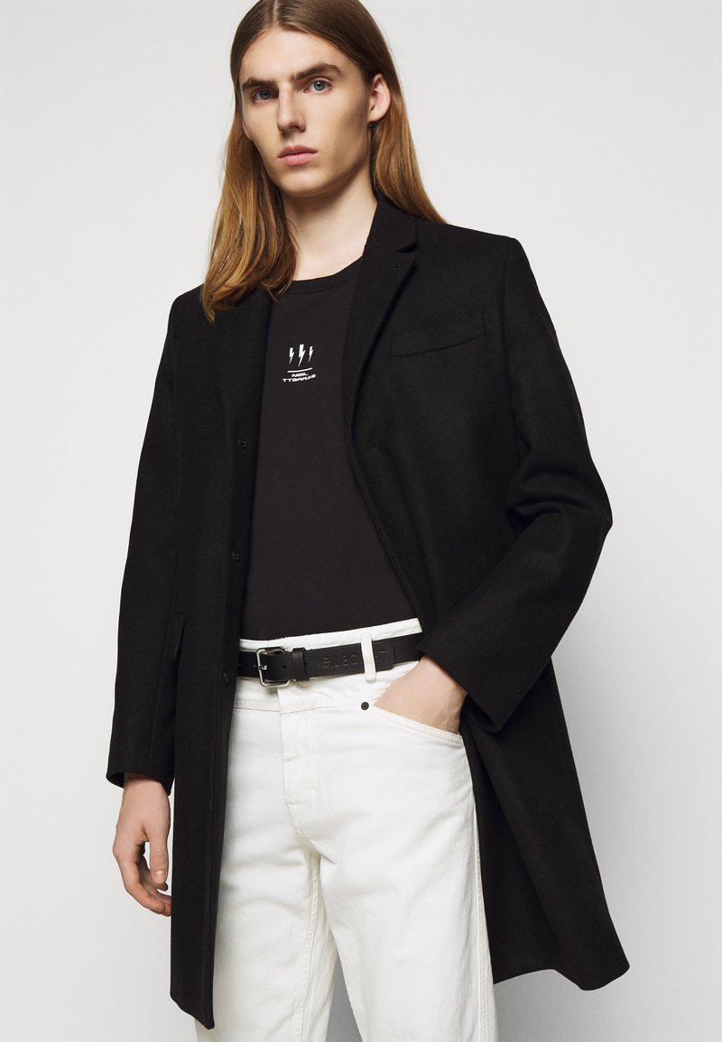 Neil Barrett - LOGO SQUARE BUCKLE BELT - Pásek - black