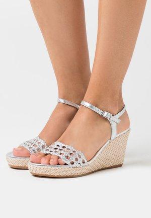 LOBI - Sandaler med høye hæler - silver