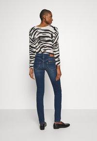 Freeman T. Porter - ALEXA SLIM - Slim fit jeans - frenchy - 2