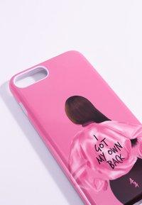 Antwerp Avenue - iPhone 6/7/8 PLUS - Telefoonhoesje - pink/black - 3