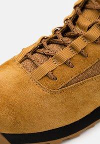 rag & bone - RETRO COMBAT BOOT - Lace-up ankle boots - bourbon brown - 5