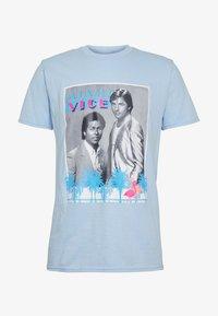 MIAMI VICE TEE - T-shirt med print - light blue
