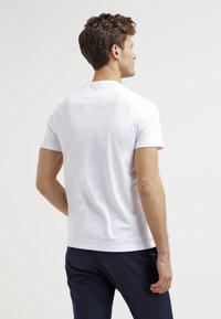 Michael Kors - Basic T-shirt - white - 2