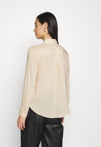 Gina Tricot - HILMA - Button-down blouse - whisper pink - 2