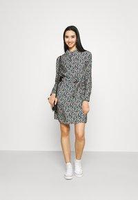 Vero Moda - VMELLIE DRESS  - Shirt dress - ellie - 1
