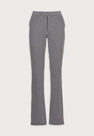 JEFF PANTS - Trousers - black check