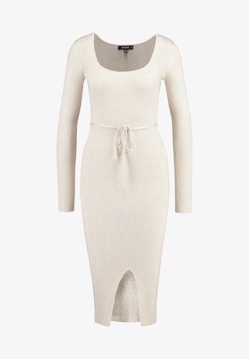 ROUND NECK BELTED MIDI DRESS - Shift dress - cream