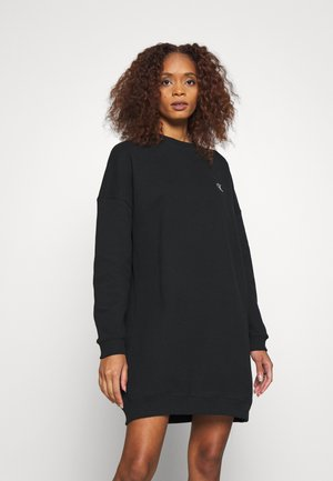 DRESS WITH CHEST LOGO - Freizeitkleid - black