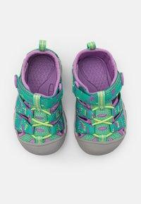 Keen - NEWPORT H2 UNISEX - Walking sandals - katydid/african violet - 3