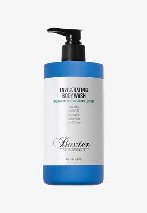 INVIGORATING BODY WASH - Shower gel - blue italian lime and pomegranate