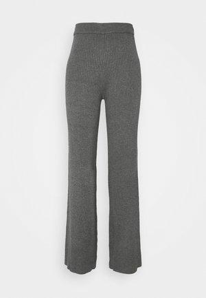 YASGIA PANTS - Bukse - dark grey melange