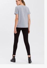 Cross Jeans - Print T-shirt - grau-meliert - 2