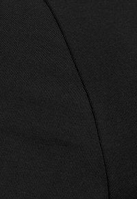 Anna Field Curvy - 3er PACK  - Basic T-shirt - blue/green/black - 8