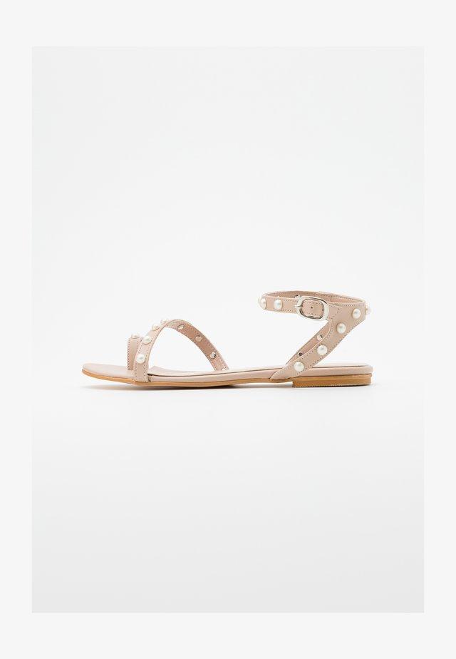 T-bar sandals - ekru