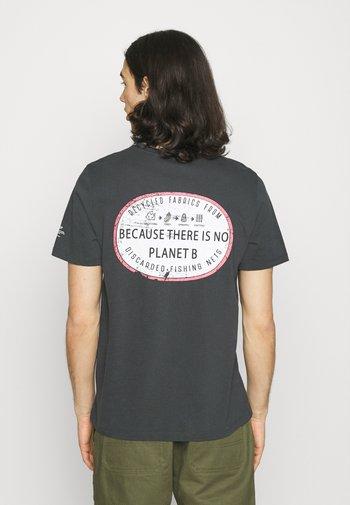 RAVELLO MAN - Print T-shirt - caviar