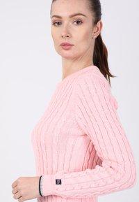 Basics and More - Etui-jurk - pink - 5