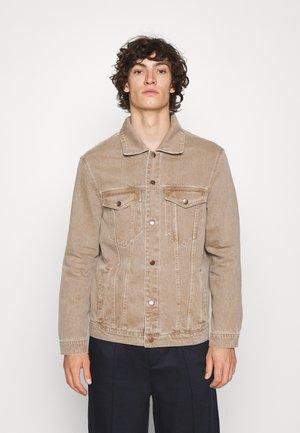 COLOR TRUCKER JACKET - Denim jacket - light brown