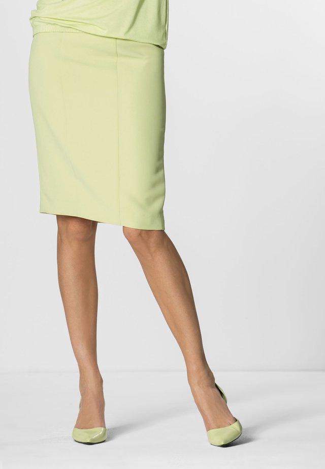 Pencil skirt - light green