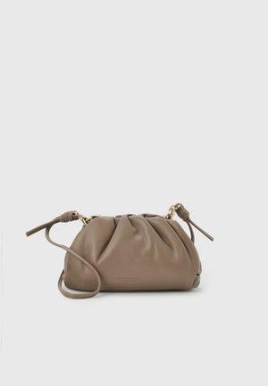 KUOPIO - Across body bag - sage