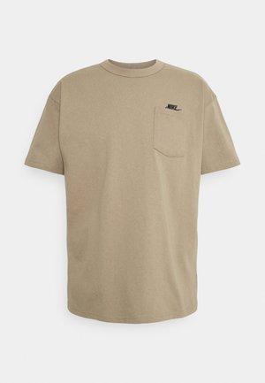TEE POCKET - Basic T-shirt - sandalwood/black