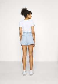 Levi's® - HIGH WAIST A LINE - Denim shorts - throw some shade - 2