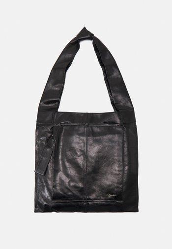 ACCIDENTAL MESSENGER - Shopping bag - black