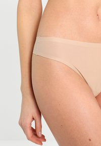 Chantelle - SOFT STRETCH - Thong - nude - 3