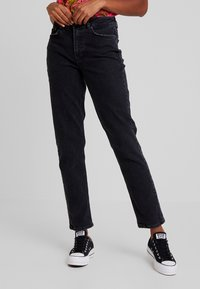 Vero Moda - VMSARA RELAXED - Relaxed fit jeans - black - 0