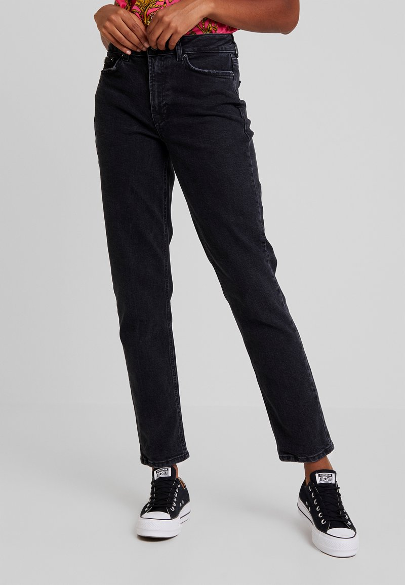 Vero Moda - VMSARA RELAXED - Relaxed fit jeans - black