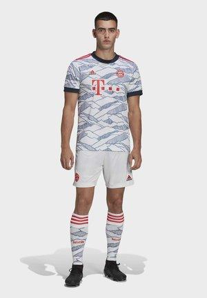 FC BAYERN  MUNICH - Pantaloncini sportivi - white