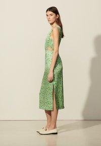 sandro - ASHLEY - Day dress - vert - 1