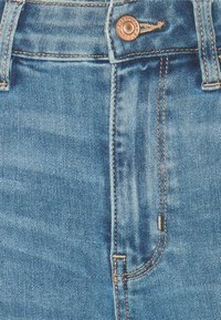 American Eagle - SUPER HIGH RISE - Jeans Skinny Fit - authentic light - 2