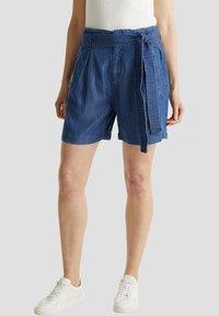 Esprit - PAPERBAG SHORT - Shorts - blue dark wash - 2