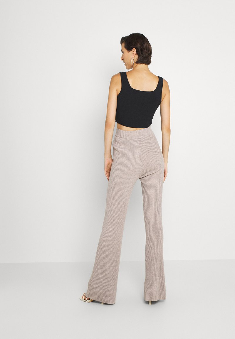 Fashion Union Tall - KYLIE FLARE TROUSERS - Leggings - taupe marl