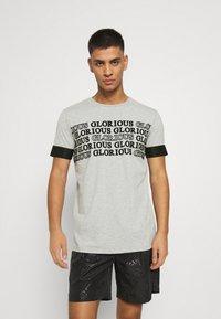 Glorious Gangsta - ESTEN TEE - T-shirt con stampa - grey marl - 0