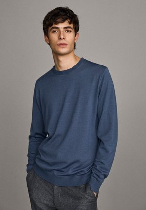 MIT RUNDAUSSCHNITT - Sweater - blue