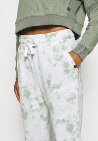Cotton On Body - GYM TRACK PANT - Tracksuit bottoms - mint chip - 5