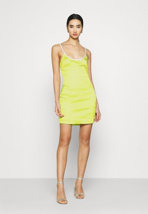 EMBELLISHED NECK BODYCON DRESS - Koktejlové šaty / šaty na párty - lime