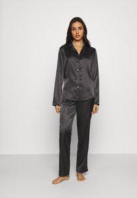 OW Intimates - SKYE PANT AND SHIRT SET - Pyjama set - black caviar - 1