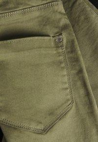 Dorothy Perkins Petite - FRANKIE ANKLE GRAZER - Jeans Skinny Fit - khaki - 2