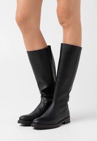 NAE Vegan Shoes - LOU - Vysoká obuv - black - 0