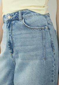 Pimkie - SLOUCHY HIGH WAIST - Relaxed fit jeans - hellblau - 1