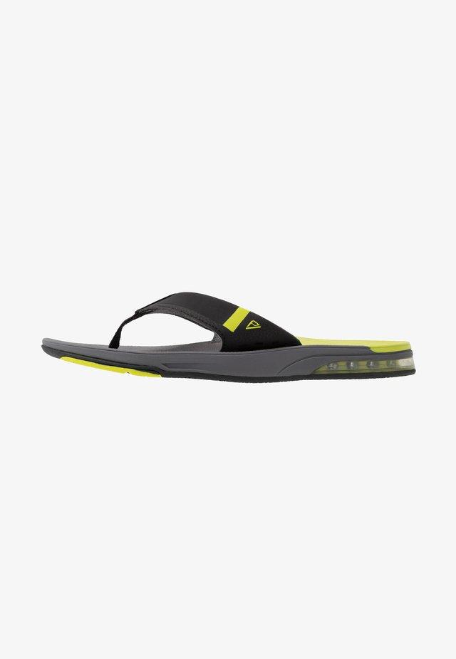 FANNING LOW - Sandály s odděleným palcem - grey/lime