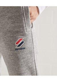 Superdry - Tracksuit bottoms - grey slub grindle - 2