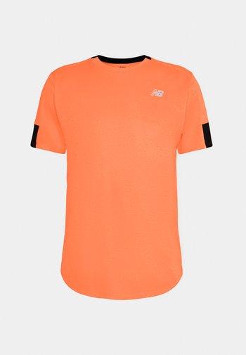 FAST FLIGHT SHORT SLEEVE - Sports shirt - citrus punch heather