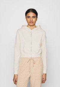 Even&Odd - CROPPED SLIM FIT HOODIE  - Zip-up hoodie - white - 0