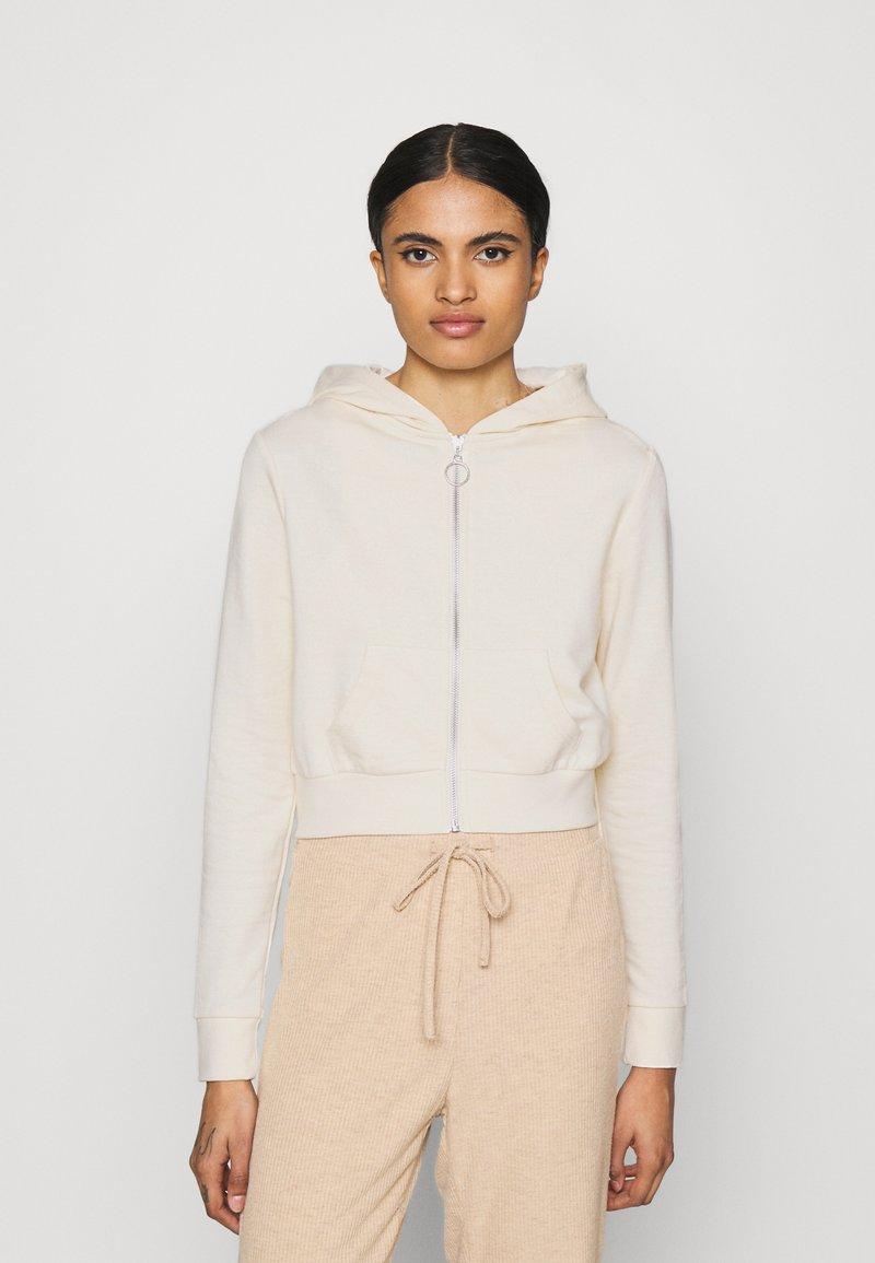 Even&Odd - CROPPED SLIM FIT HOODIE  - Zip-up hoodie - white