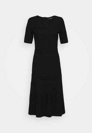 MATHILDE FANCY DRESS - Pletené šaty - black