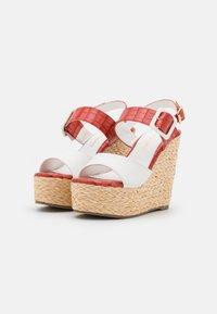 Laura Biagiotti - Platform sandals - coral - 2