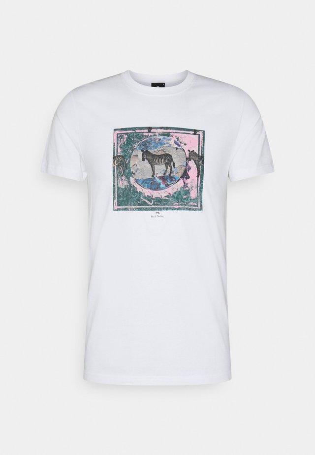 SLIM FIT ZEBRA - T-shirt imprimé - white